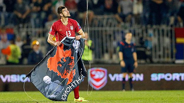 Politische Provokation bei Fussballspiel Serbien-Albanien