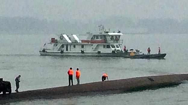 Zahlreiche Opfer nach Schiffsunglück auf dem Jangtse-Fluss
