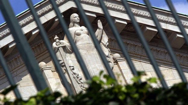 Völkerrecht über nationalem Recht? Die Frage bleibt offen