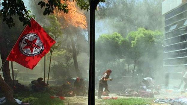 Attentat im Kulturzentrum von Suruc