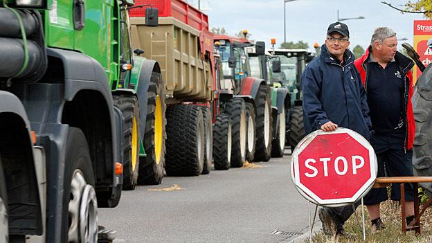 Frankreichs Landwirte blockieren französisch-deutsche Grenze