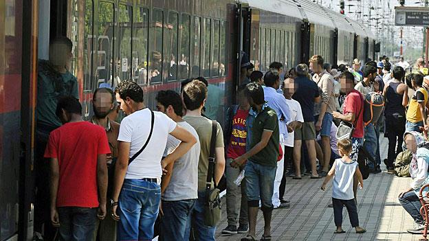 Budapest - Hoffnung auf einen Platz im Zug nach Deutschland