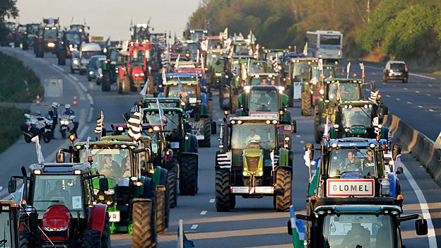 Fast 2000 Traktoren im Herzen von Paris