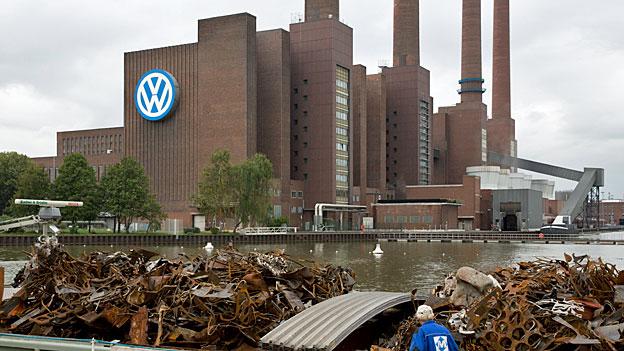 Die VW-Stadt Wolfsburg im Morgengrauen