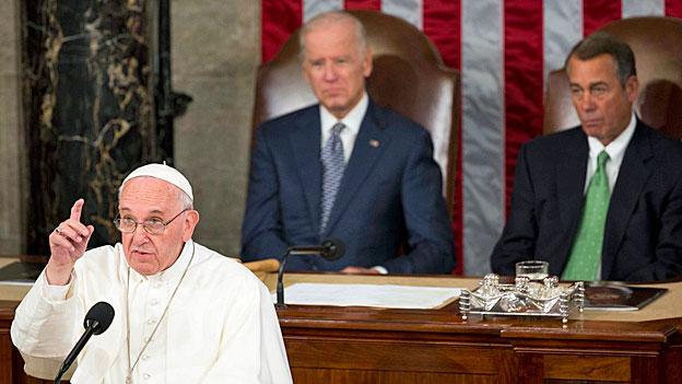 Der Papst kritisiert Todesstrafe und Waffenhandel