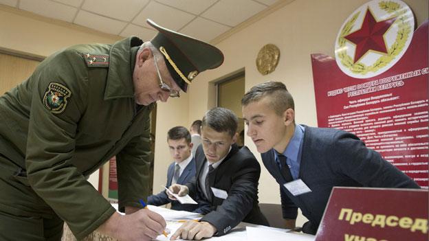 Weissrussland: Dauerregent Lukaschenko vor Wiederwahl
