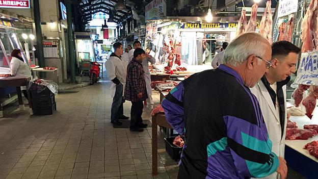 Tiefe Renten und hohe Preise - Alltag in Athen