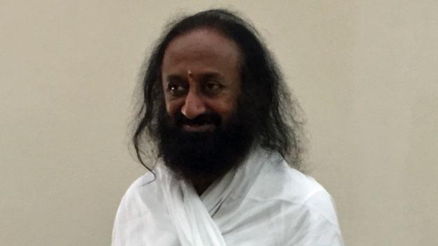 Ein indischer Guru und sein undurchsichtiges Geschäft