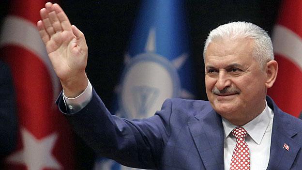 Die türkische AKP stellt den neuen Premier vor