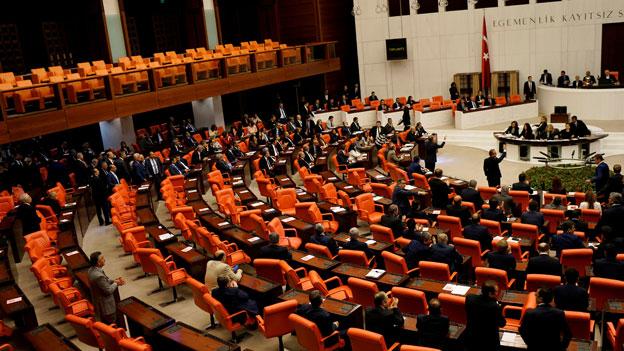 Türkisches Parlament hebt Immunität für HDP-Abgeordnete auf