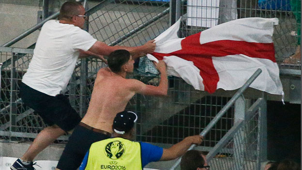 Uefa: Keine Bilder randalierender Fans