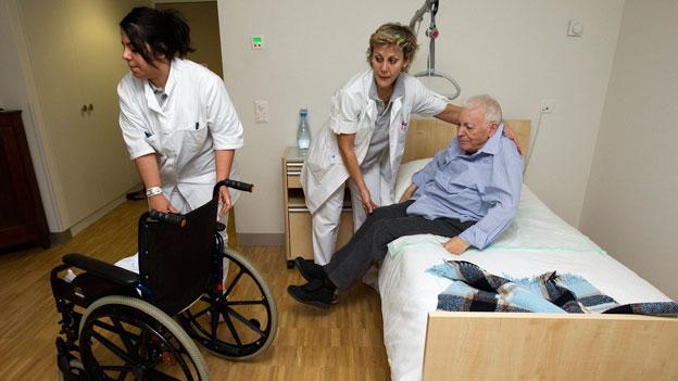 Deutschland braucht seine Pflegerinnen selber