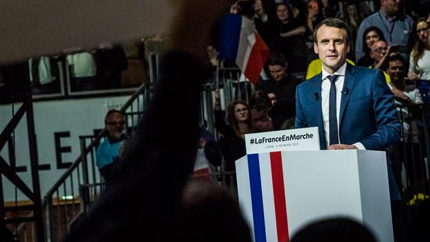 Macron hält sich weiter bedeckt