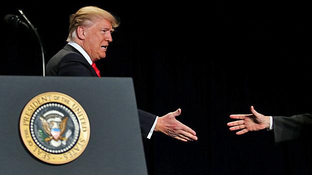 Audio «Ungewöhnliche Allianz – Donald Trump und die Evangelikalen» abspielen