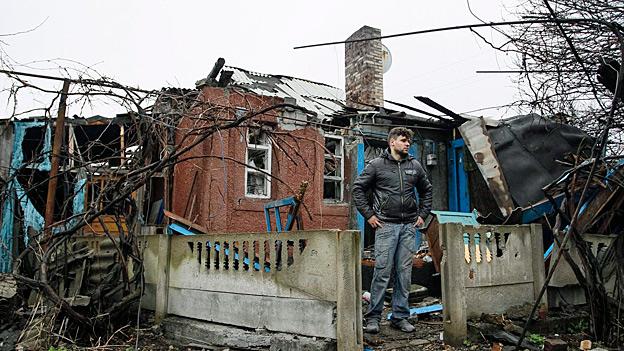 Ostukraine - alleingelassen in zerstörtem Land