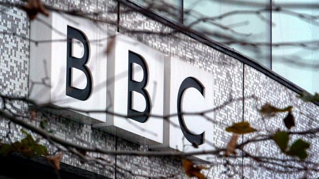 Audio «BBC: Qualitätstitel legen zu dank Trump» abspielen.