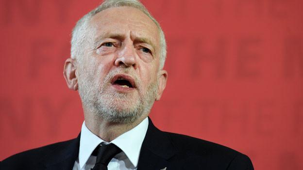 Audio «Kurz vor Wahlen prangert Corbyn Terrorbekämpfung an» abspielen