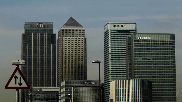 Audio «EU-Kommission droht mit Abzug des Euro-Clearing aus London» abspielen.
