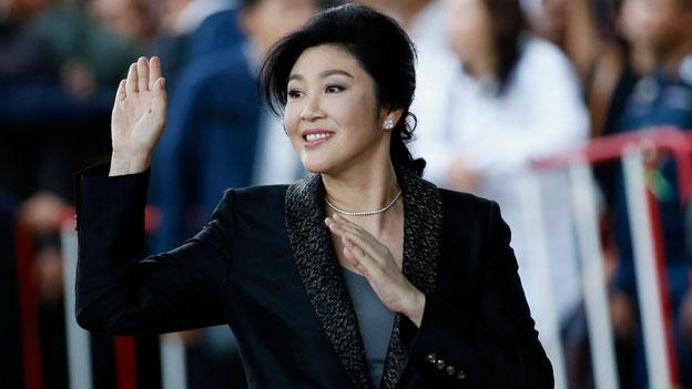 Thailändische Ex-Ministerpräsidentin flieht ins Ausland
