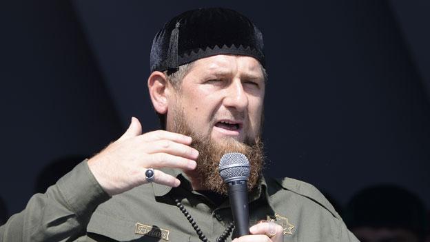 Kadyrov präsentiert sich als Führer der Muslime in Russland