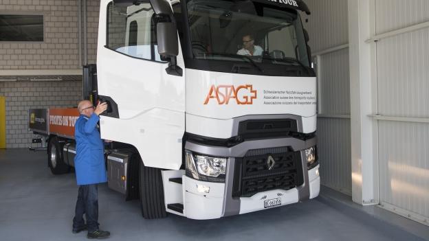 Bund prüft Teststrecke für selbstfahrende Lastwagen