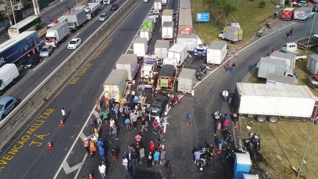 Lastwagenfahrerstreik legt Brasilien lahm