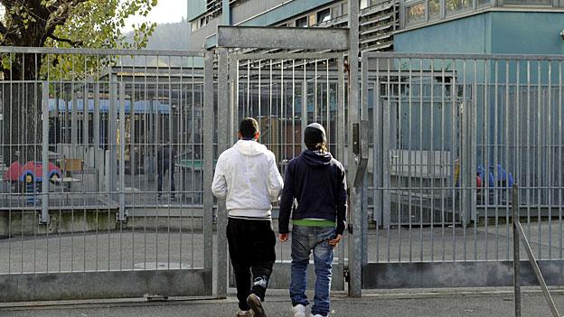 Asyl-Empfangszentren sind eine grosse Belastung