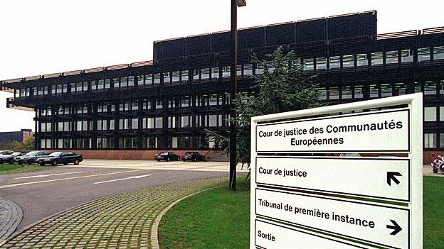 Die Aussenpolitische Kommission akzeptiert «fremde Richter»