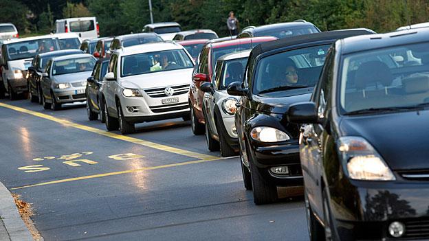 Der Bundesrat will mehr Geld von Autofahrern
