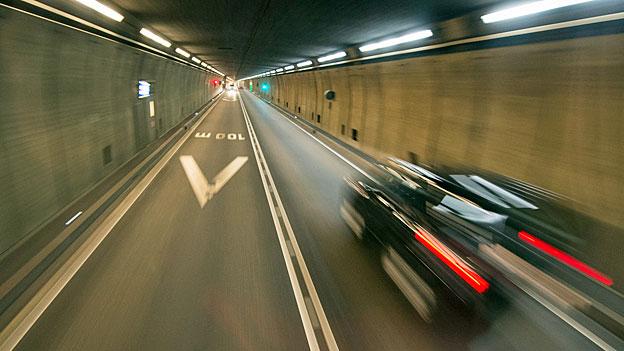Der Bundesrat wirbt für die zweite Gotthardröhre