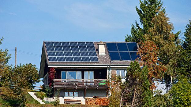Elektrizitätswerke vs. kleine Solarstromproduzenten