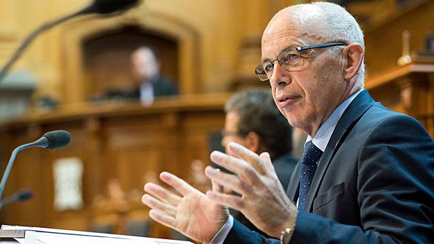Sparen – keine Einigkeit zwischen Parlament und Bundesrat