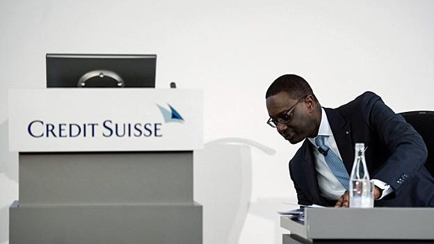 Audio «UBS und CS schliessen Pressefotografen aus» abspielen.