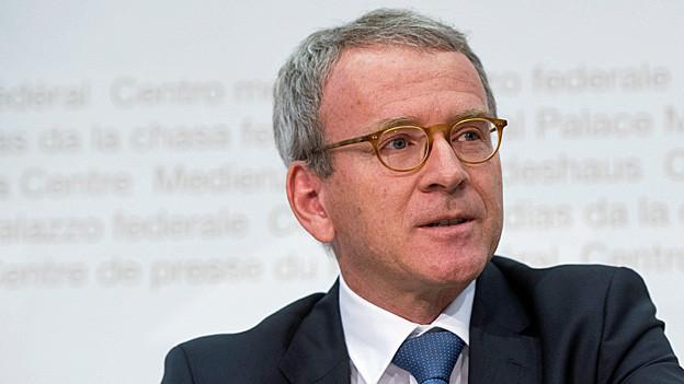 Audio «Öffentliche Beschaffungen – Datenschützer kritisiert Bund» abspielen