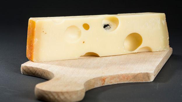 Audio «Schweizer Käse im internationalen Markt unter Druck» abspielen