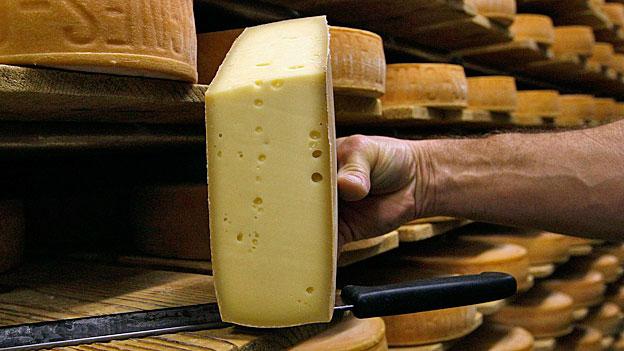 Erfolgreich mit kaltem Kaffee und Schweizer Käse