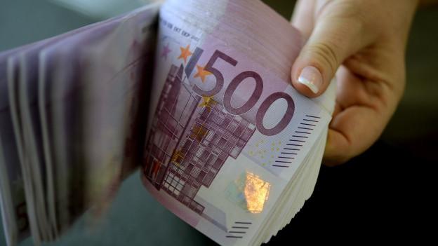 Audio ««Wenn Bargeld abgeschafft wird, wird jeder Bürger total gläsern»» abspielen.