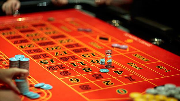 Audio «Geldspielgesetz – Schweizer Casinos wollen Internetpräsenz» abspielen