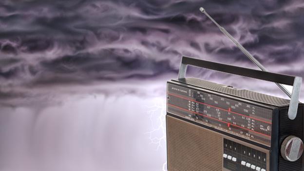 Gewitterwolken im Radio