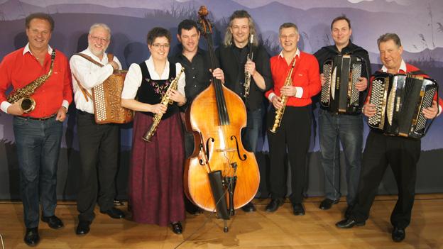 Livesendung aus Schwyz mit hochkarätiger Besetzung