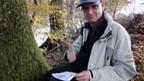 IT-Redaktor Reto Widmer mit seinem ersten Cache.