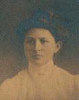 Porträt von Emma Arnold-Sägesser 1912.