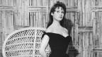 Die 20-jährige Brigitte Bardot posiert als Badenixe (1956).