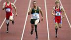 Oscar Pistorius (Mitte)