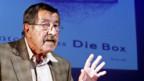Günter Grass bei der Lesung seines neuesten Buches «Die Box» in Hamburg.