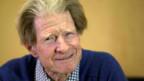 Der 79-jährige John Gurdon arbeitet immer noch in dem nach ihm selbst benannten Institut an der Universität Cambridge.