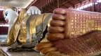 Liegender Buddha in der Chaykhatgyi-Pagode in Mandalay, Burma, Dezember 2012.