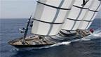 Eine Yacht mit drei Masten: Maltese Falcon.
