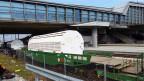 Umstrittene Durchreise: Transport der «Castor»-Behälter beim Bahnhof Basel.