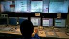 Erbebenüberwachung: Kontrollraum der Meteorologischen Behörde in Tokyo.